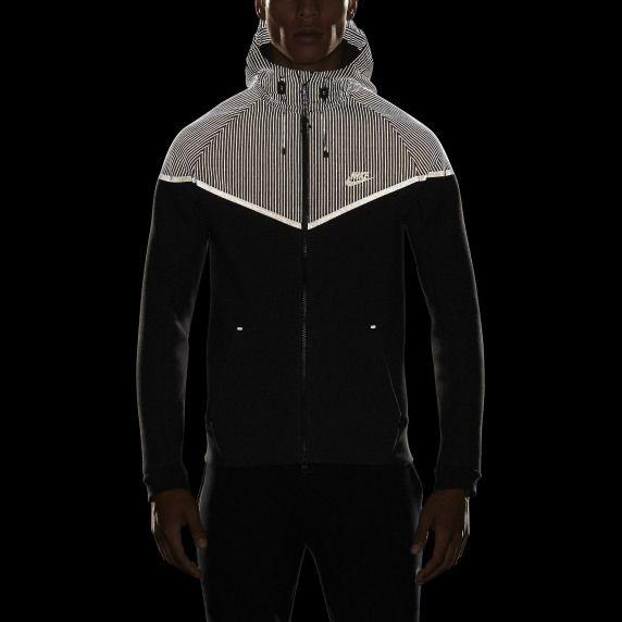 Nike Windrunner Tech 3mm Men S Jacket Nike Store Men Sactivewear