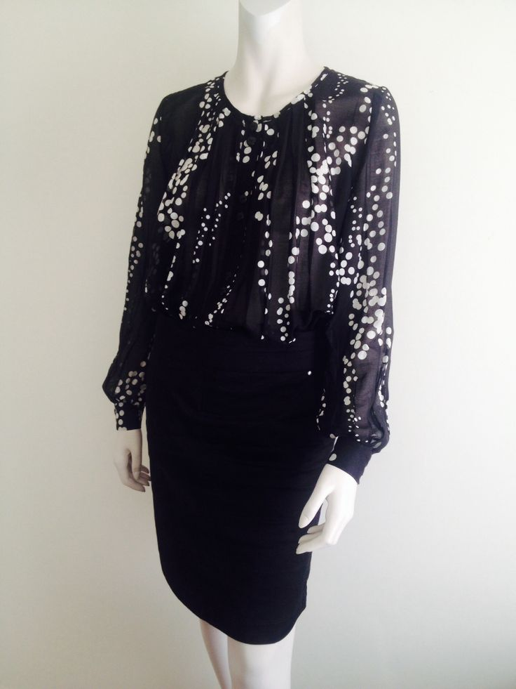 Lovely blouse in sheer cotton