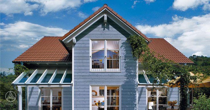 Architektur im Landhaus-Stil PlanMit Entwurf Raumwunder vom Ökohaus-Pionier Baufritz
