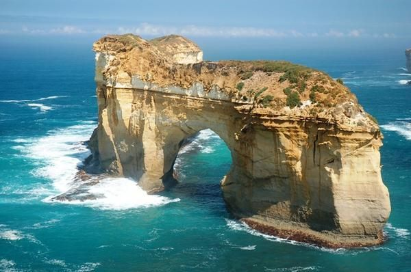 London Arch, Port Campbell, Australia - London Arch is a natural arch in the Port Campbell National Park, Australia. The arch is one of the tourist attractions along the Great Ocean Road near Port Campbell in Victoria. This stack was formed by a gradual process of erosion, and until 1990 formed a complete double-span natural bridge.
