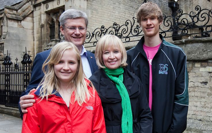 Prime Minister Stephen Harper and his family, Nice.. we miss you STeven..