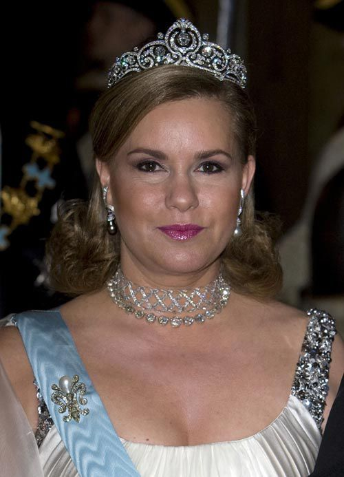 Ready for Royalty via historicbling via historyandroyalty: Grand Duchess Maria-Teresa of Luxembourg wearing the Belgian Scroll Tiara