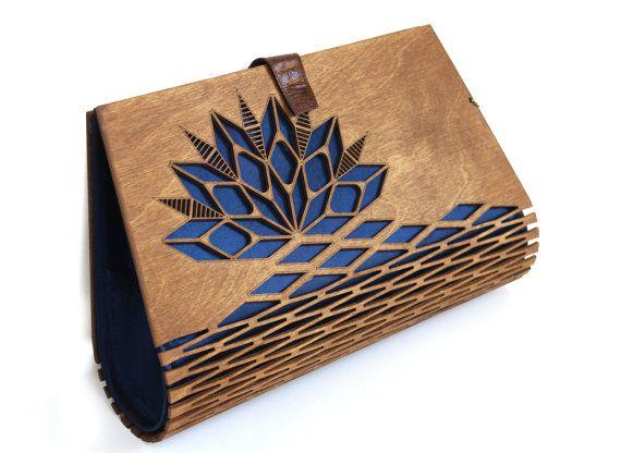 Vente Embrayage en bois pochette de soie par MADEinLOVEDESIGN