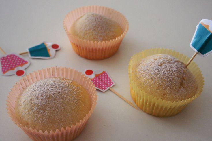 I muffin allo yogurt senza uova sono dei piccoli dolcetti da consumare a colazione o a merenda sia dai grandi che dai più piccoli. Ecco come prepararli ed alcuni consigli utili