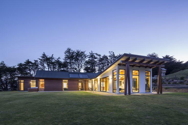 A great stunning house designed by Richard Wilden from Richard Wilden Design Ltd #ADNZ #architecture #house