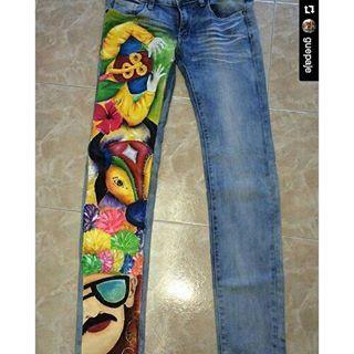 #Repost @guepaje with @repostapp ・・・ Además de tu camiseta quieres tu pantalón pintado? Arma tu pinta y disfruta de nuestro próximo Carnaval de Barranquilla #carnavaldelaarenosa #carnavalparatodos #carnaval2016 #carnavaldebarranqulla2016 #camisetasdecarnaval #armatupintacarnavalera