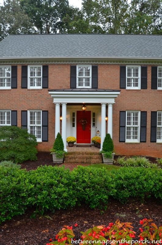 38 best images about red brick house on pinterest house for Best roof color for brick house