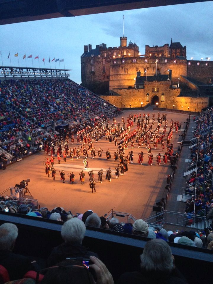 1000 ideas about edinburgh military tattoo on pinterest for Royal military tattoo
