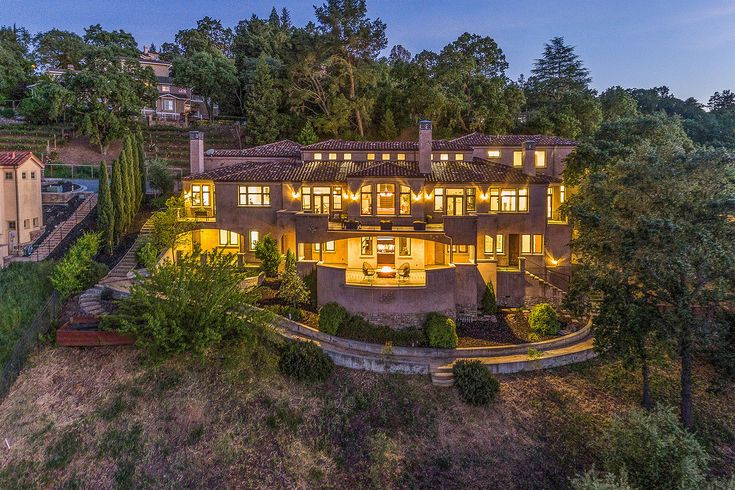 Steph Curry: Want to score an insanely posh pad? Warriors super-shooter Steph Curry and his wife, Ayesha, put their massive Mediterranean-style manse in Walnut Creek on the market for $3.5 million