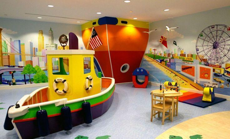 jeux enfant salle idée aménagement bateau tapis de sol bleu chaise table design