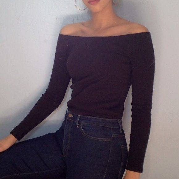 American apparel black ribbed Carmen top. It is an off the shoulder top, worn a few times, in perfect condition.