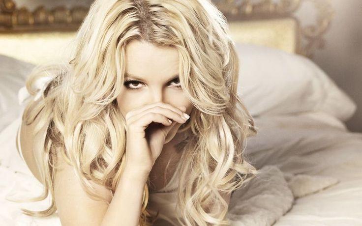 Britney Spears lanseaza lanseaza o colectie de lenjerie intima  - http://localuriinbucuresti.ro/britney-spears-lanseaza-lanseaza-o-colectie-de-lenjerie-intima/