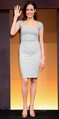 Angelina Jolie V body shape