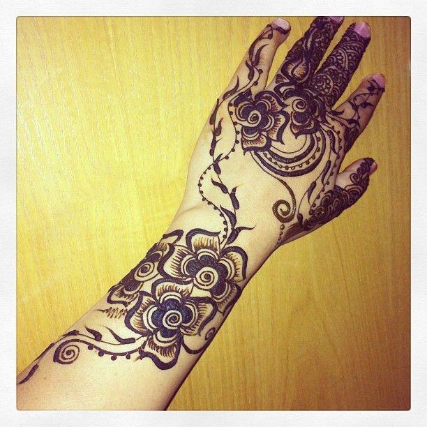 Mehndi Tattoo Bajuband :