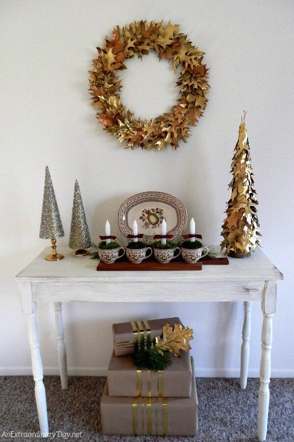 Here's an EASY and Classy Oak Leaf Wreath to Make for Christmas that will be a show-stopper for sure. Get the tutorial here >>>