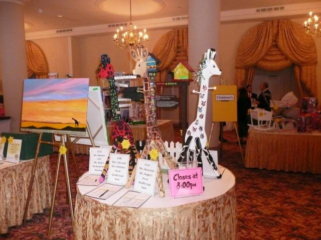 silent auction table sign which says closing time auction ideasauction projectsfundraising