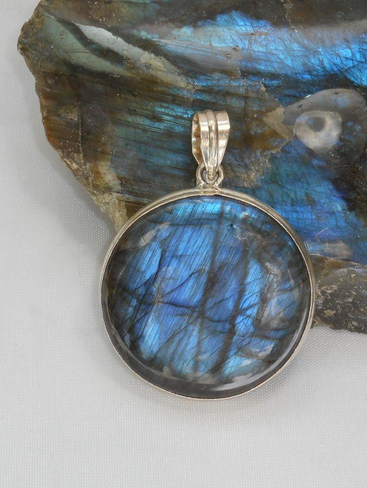 "Stunning handmade round cabachon Labradorite pendant bezel-set in 925-hallmarked sterling silver. Total pendant length including bail: 2.25"""