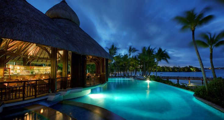 Le Touessrok Mauritius At the height of tropical elegance, a breath of modern elegance