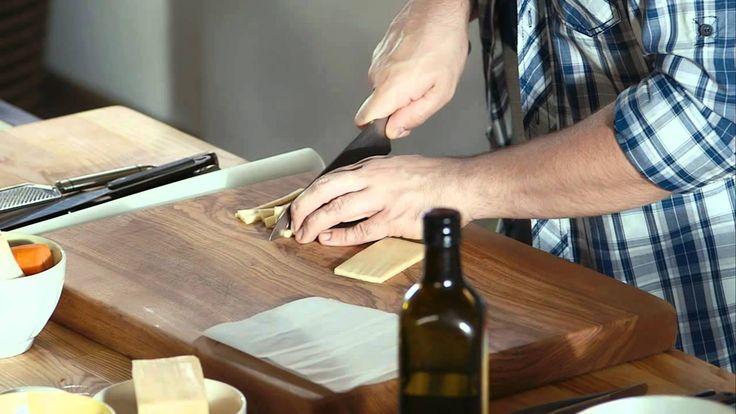Széll Tamás - Bolognai tagliatelle sajtchipsszel és bazsalikommal