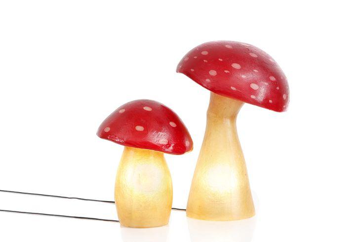 """""""Mushroom"""" φωτιστικό απο fiberglass. Χειροποίητο επιδαπέδιο/επιτραπέζιο φωτιστικό απο fiberglass  Απο ελαφρύ κι ανθεκτικό υλικό. Μπορεί να τοποθετηθεί άφοβα στο δάπεδο, σε ράφι, ή και να χρησιμοποιηθεί ως night-light στο παιδικό δωμάτιο.  Ασφαλές για τοποθέτηση και σε εξωτερικό στεγασμένο χώρο. Για την τοποθέτησή του σε μη στεγασμένο εξωτερικό χώρο, αρκεί η στεγανοποίηση του ντουί με απλή λαστιχοταινία."""