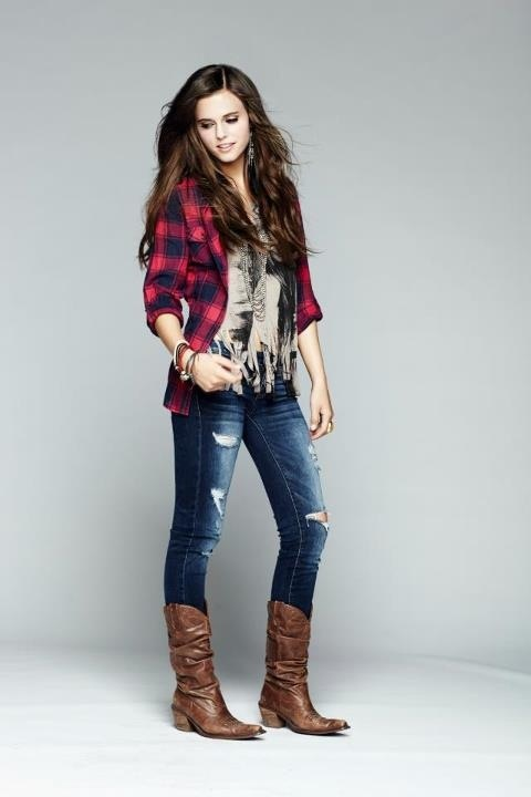 Tiffany Alvord Love her outfit and hair!!:)