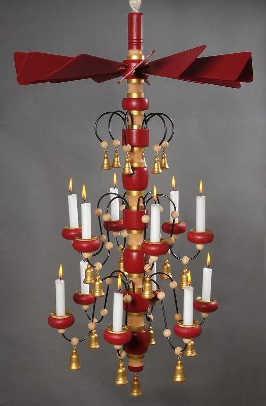 Erzgebirgische Leuchterspinnen/Deckenpyramiden aus Annaberg-Buchholz