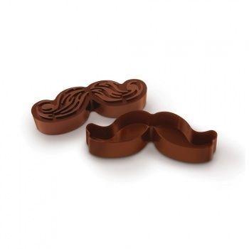 Des petits gâteaux en forme de moustache ?