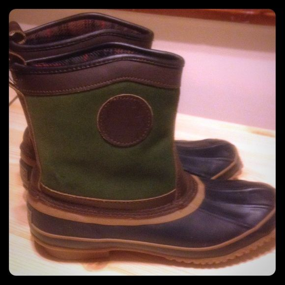 Women's duck boots size 8 flannel Lined Women's duck boots size 8 flannel lined like new excellent condition L.L. Bean style by Woodstock high quality boots immaculate condition perfect spring boots feel free to ask questions Woodstock Shoes Winter & Rain Boots