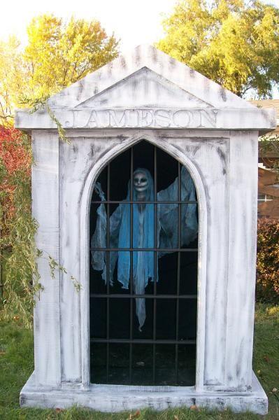 Mausoleum ghost #halloween #halloweendecorations #halloweenoutdoordecorations