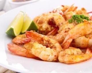 Curry de crevettes express : http://www.fourchette-et-bikini.fr/recettes/recettes-minceur/curry-de-crevettes-express.html