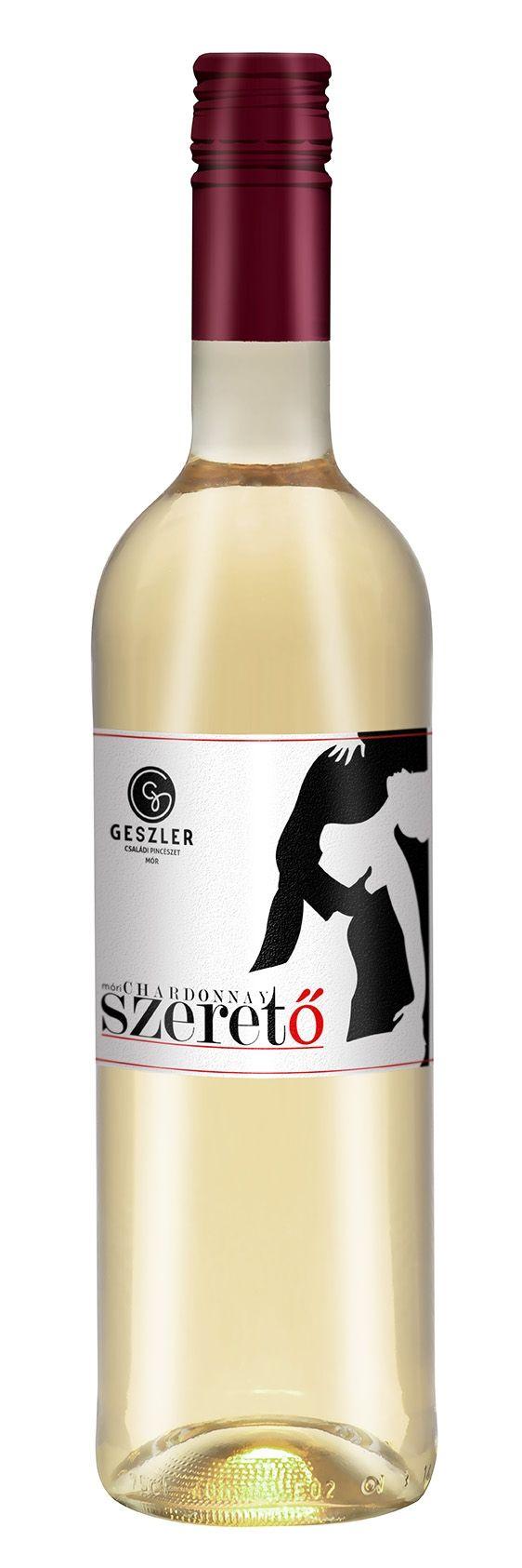 Az egyik legnépszerűbb borunk … a fiatalok és a hölgyek kedvence! SZERETŐ- Móri Chardonnay (2015)  oltalom alatt álló eredetmegjelölésű FÉLÉDES fehérbor Szeretnénk ezzel a Chardonnay-vel annak minden kóstolóját elcsábítani, bevezetni a finom, változatos, izgalmas móri borok világába. Aki megízleli ezt a könnyed, üde bort, annak megmarad az emlékezetében és vágyakozni fog a folytatásra… http://www.geszlerpince.hu/borok-geszler-csaladi-pinceszet-mor/szereto-mori-chardonnay-2015#tartalom