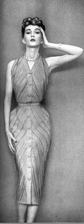 1950 Dovima in narrow pink crêpe dress by Christian Dior, photo by Avedon, Harper's Bazaar,