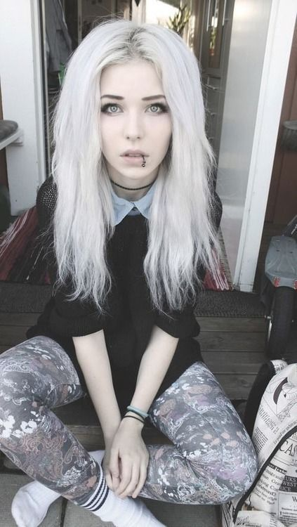 Hi, my name is Alice White. But my friends call me Zero. I'm 16 in Jan. Sorry I'm a bit late. I really into singing and keyboard.