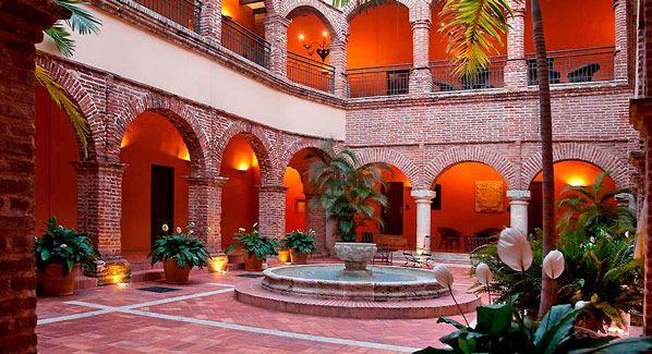 Dominican Republic: Santo Domingo- Hostal Nicolas de Ovando House