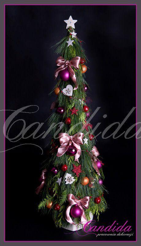 choinka udekorowana przez pracownie dekoracji Candida