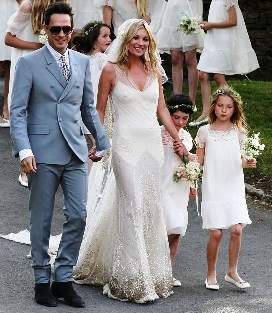 Best 25 kate moss wedding dress ideas on pinterest john moss celebrity wedding dresses kate moss for more inspiring wedding ideas come visit our other junglespirit Choice Image