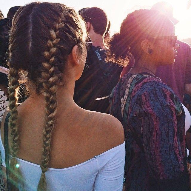 Como montar um cabelo indestrutível para festivais incríveis - via Hypeness
