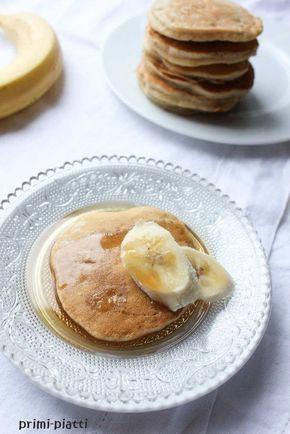 Placuszki bananowe, czyli banana pancakes. Prosta i pyszna propozycja na ciepłe śniadanie. Przypadnie do gustu zarówno dzieciom jak i dorosłym.