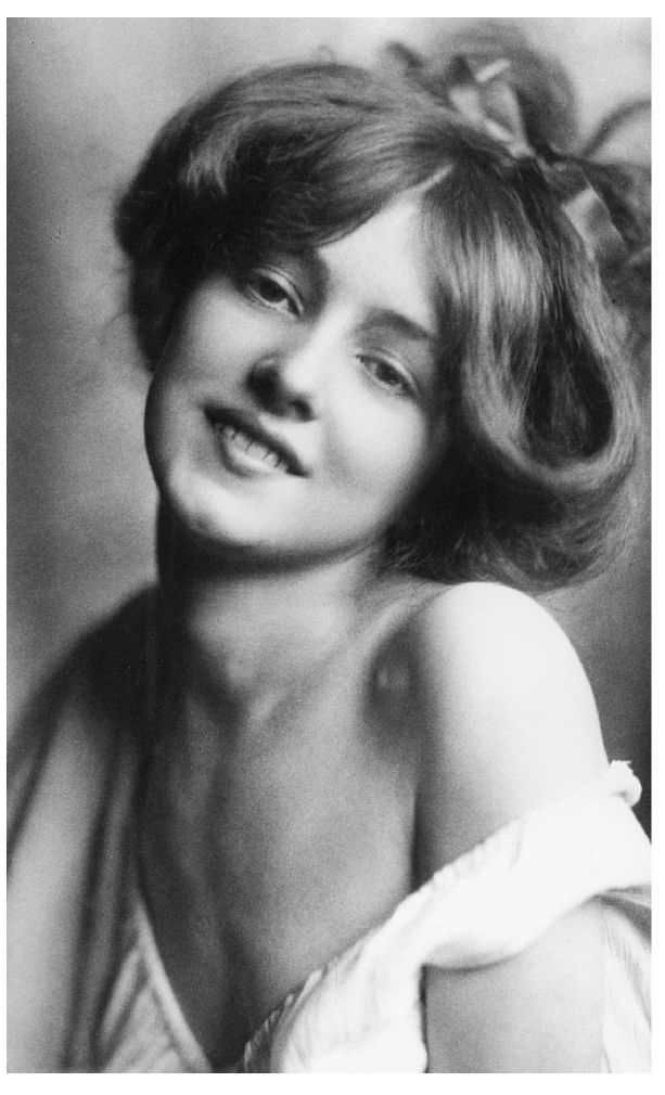 Evelyn Nesbit, 1901                                                                                                                                                      More