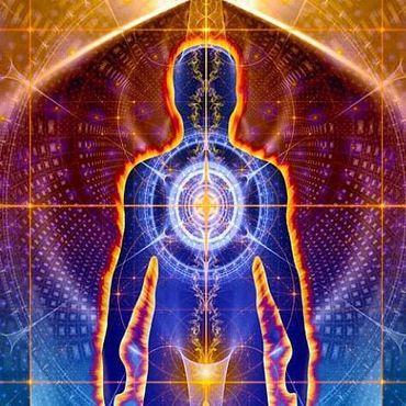 Когда мы стареем, поток этого разума по разным причинам снижается. Этот возрастной износ был бы неизбежен, если бы человек состоял только из материи, но энтропия не затрагивает разум — невидимая часть нас самих не подвластна времени.