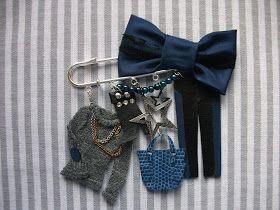No os habia enseñado todavia estos broches, ¿que os parece? Este es un encarguito de una amiguisima, en tonos azules. Ya os iré subiendo m...