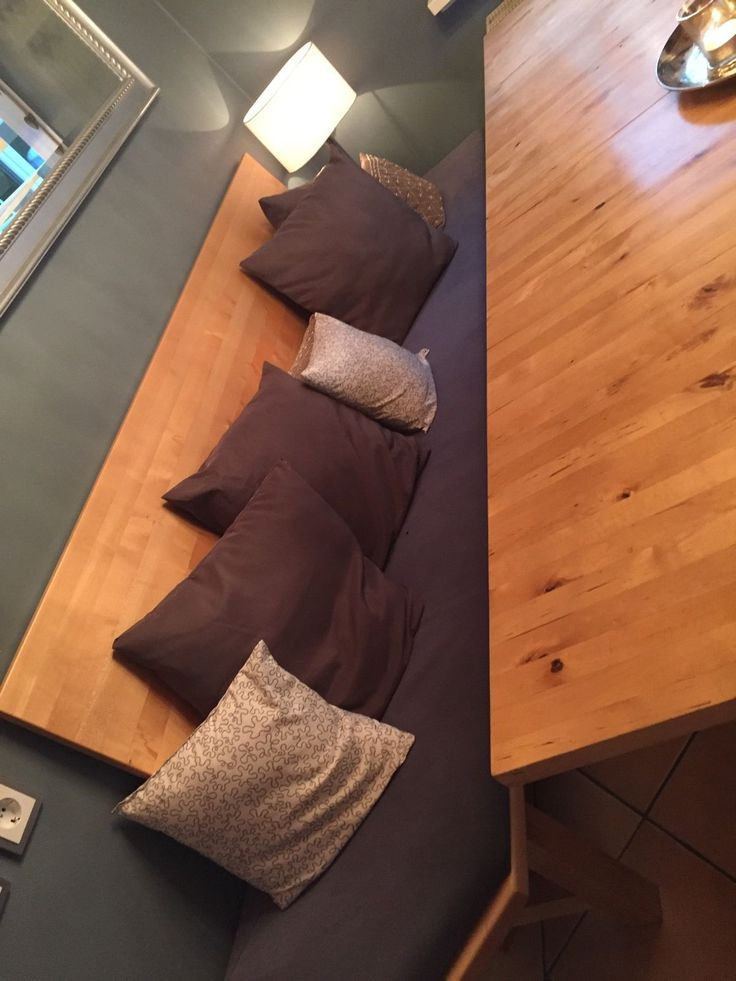 Ikea Esstisch (ausziehbar) und Bank und Vitrine 2 • EUR 125,00
