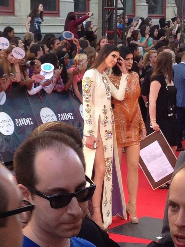 MMVA 2014 Red Carpet: Celebs Arrive For Much Music Video Awards MuchMusic Awards - Kendall and Kylie Jenner on the Red Carpet.