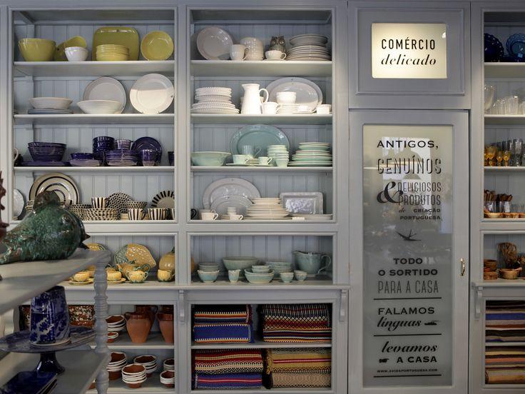 A decoração lá de casa está um caco? Dizemos-lhe quais as melhores lojas de loiça de Lisboa para fazer compras a peso e à peça.