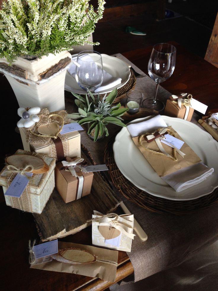 Collezione Eco,realizzata a mano con materiali ecologici,e prodotti Altro Mercato.