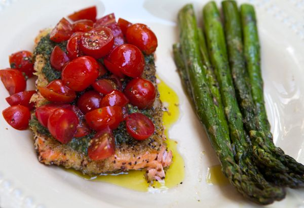 Italian Food Forever » Wild Salmon Fillets With Basil Pesto & Sweet Cherry Tomatoes