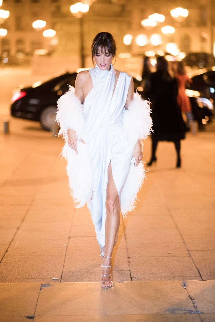 10 Best Dressed: Week of January 30, 2017 - Alessandra Ambrosio