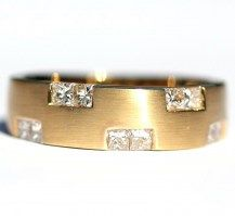 Brushed Gold and Diamonds, for that extra something special, 18YG   #DiamondsExclusive