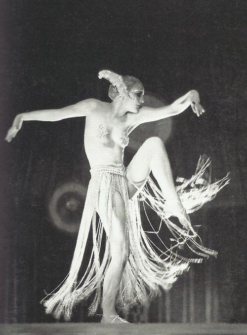 Dancig of the Maria in Metropolis