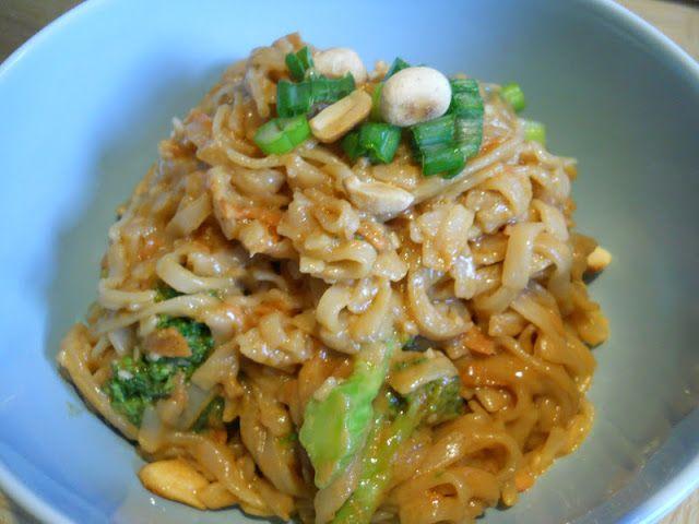 Eat cook and love: Nouilles épicées à l'arachide